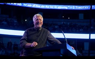Pastor Jon Courson recalls Chuck Smith's fatherly influence