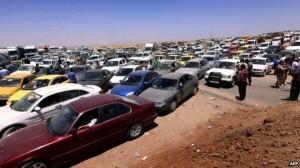 Cars fleeing Mosul