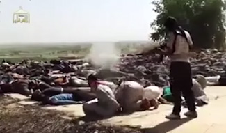 ISIS fighter executes captured Iraqi soldiers