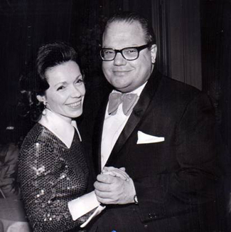 Hunt with wife Caroline in 1972 (Larry Provart/Dallas Morning News)