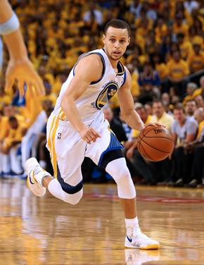 stephen curry moves the ball