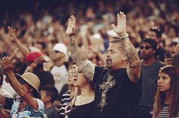Worshipful crowd