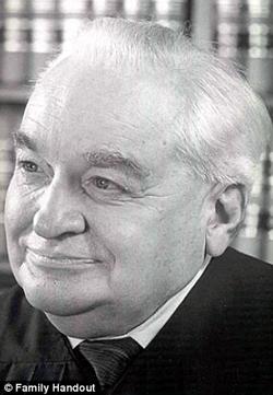 Fiorina's father, Joseph Sneed