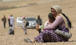 Refugees flee Mosul
