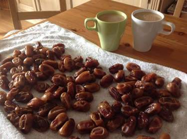 dates at table