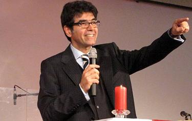 Pastor Bajajan