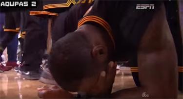 LeBron on knees2