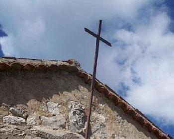 church_with_a_cross_use