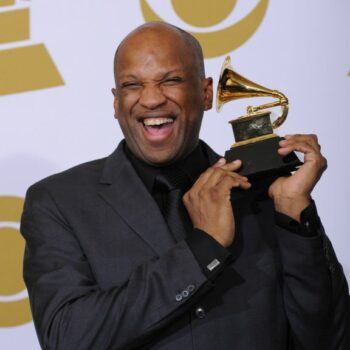 Gospel music star found victory over homosexual lifestyle | God Reports